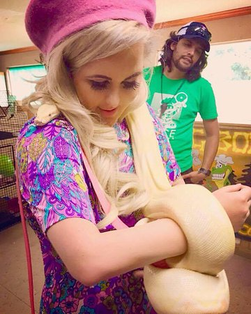 Kliebert's Turtle & Alligator Farm: They even let you hold the snakes too!