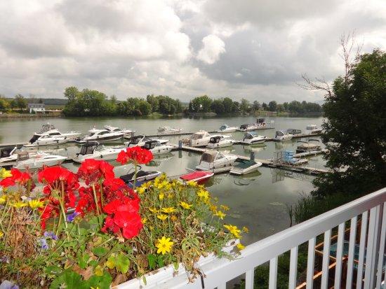 Saint Marc sur Richelieu, Canada: Vue sur la marina, de notre balcon