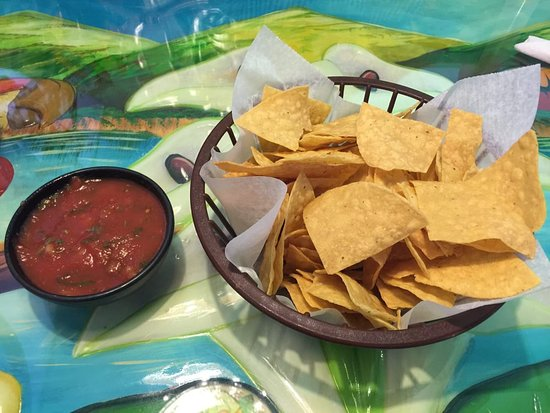 Paris, KY: Free Chips and Salsa