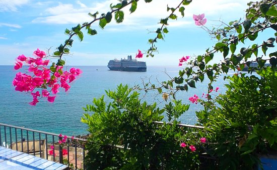 Hotel Palladio: View from the terrace of the bay of Giardini Naxos