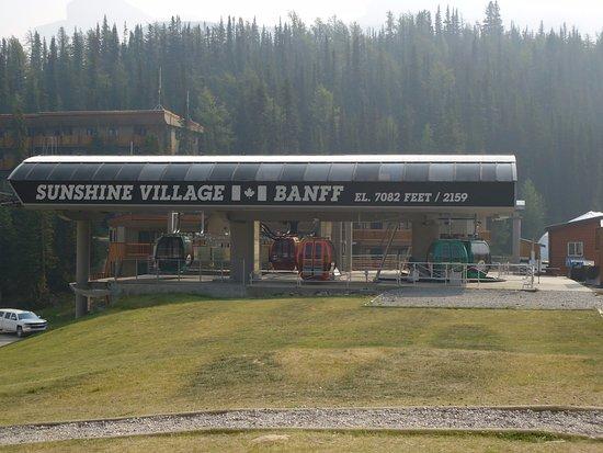 Sunshine Village: gondola lift