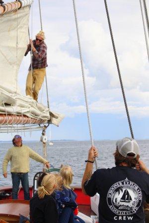 Schooner Appledore II Windjammer Cruise: Crew working together.