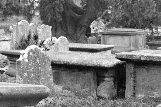Cuckfield, UK: Churchyard