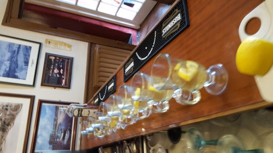 Cushendun, UK: Mary McBrides Bar