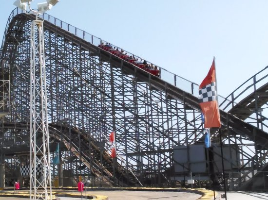 Morey's Piers and Beachfront Water Parks: The Great White