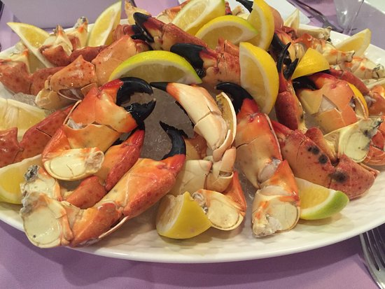 Berkeley Heights, NJ: JUmbo Stone Crab Platter for the table