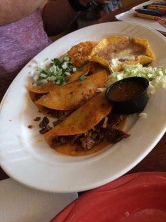 El Mariachi Mexican Restaurant: photo7.jpg