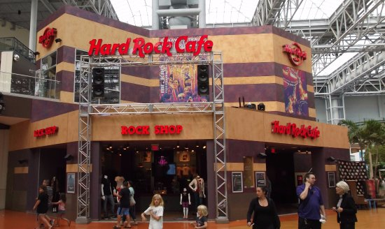 Hard Rock Cafe Mall of America: Legendary HRC cannot be missed among the madness of the center court attractions.