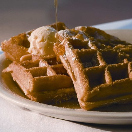 Butte, Монтана: Warm, Golden Waffles