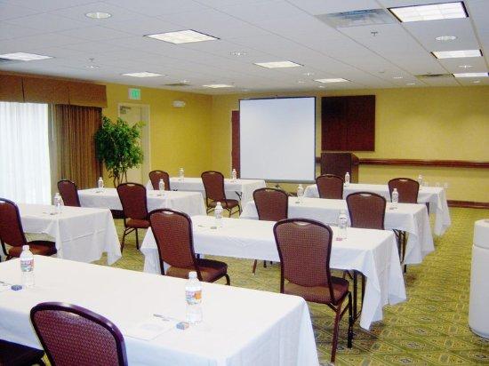 แอลทัส, โอคลาโฮมา: Meeting Room