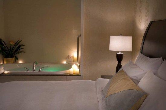 King Whirlpool Bath Picture Of Hilton Garden Inn Toronto