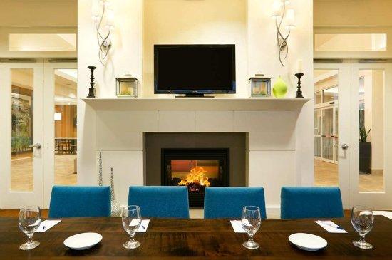 Auburn, Nova York: Lounge dining 2