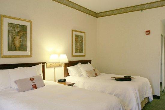 Marietta, OH: Double Queen Guest Room