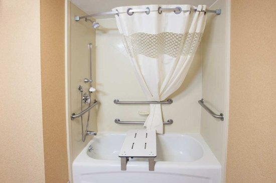 Marietta, OH: Accessible 3x3 Shower