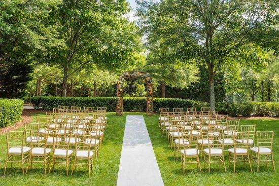 Hilton Garden Inn Atlanta North/Alpharetta : Outdoor Meeting Space