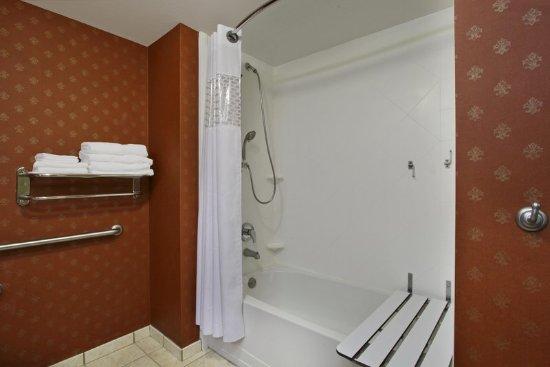 Jasper, AL: Accessible Bathroom