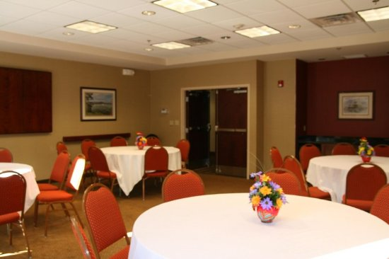Plymouth Harbor Dining Room