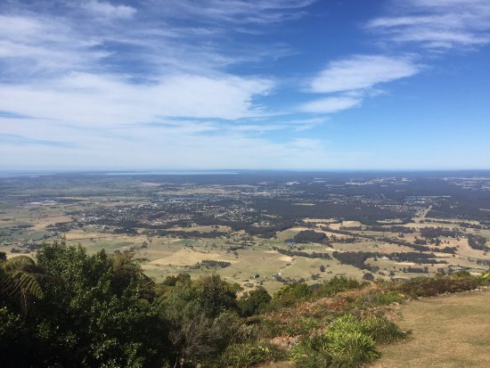 The Lookout Cambewarra Mountain: photo1.jpg