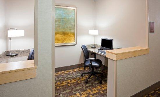 Winona, MN: Business Center