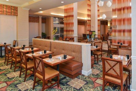 Hilton Garden Inn Reno: Dining Seating