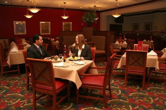 restaurant picture of hilton garden inn chicago o 39 hare. Black Bedroom Furniture Sets. Home Design Ideas