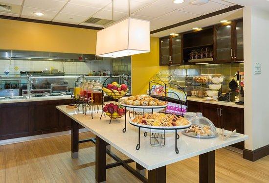 Hilton Garden Inn Buffalo Airport 149 ̶1̶9̶0̶