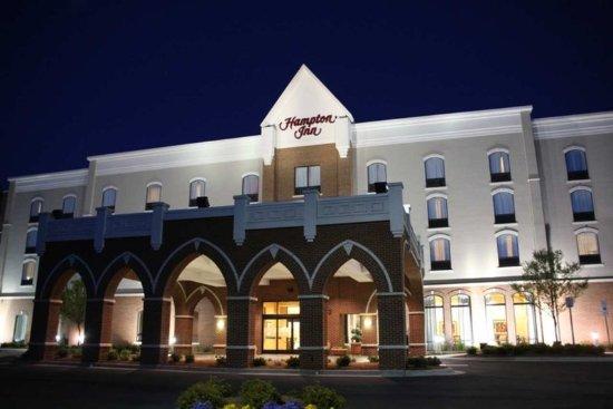 Belmont, North Carolina: Front Entrance