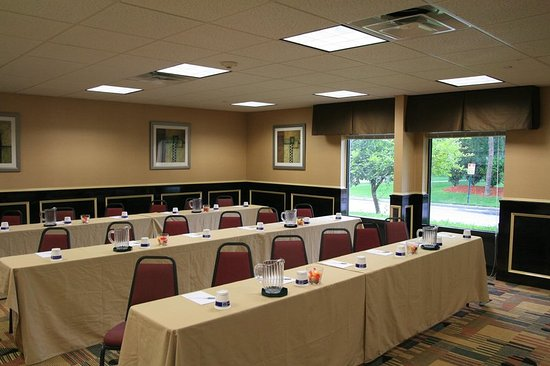Commack, NY: Conference Room