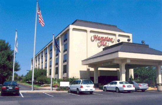 Welcome to the Hampton Inn Long Island / Commack