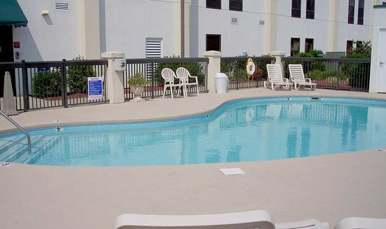 Edenton, Kuzey Carolina: Outdoor Pool