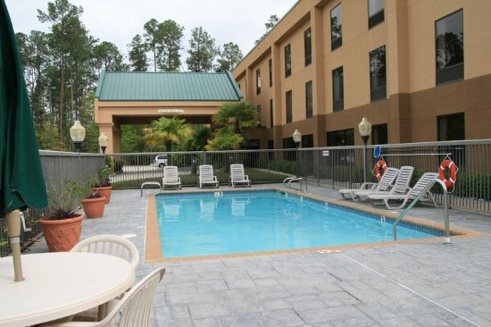 Hampton Inn Covington: Pool