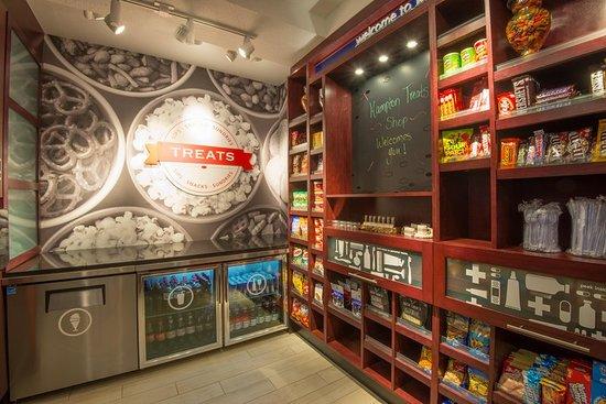 Kingston, NY: Snack Shop