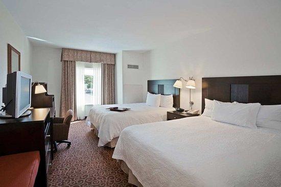 Hampton Inn Kingston: Two Queen Beds