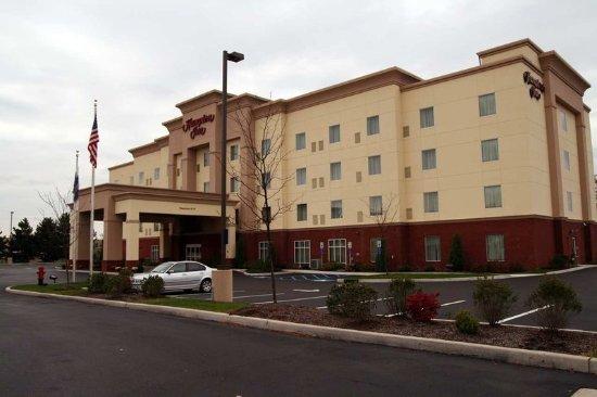 Welcome to the Hampton Inn Kingston Hotel.