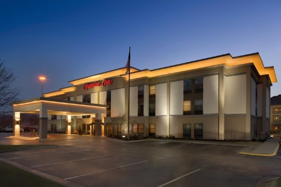 Fairlawn, OH: Hotel Exterior