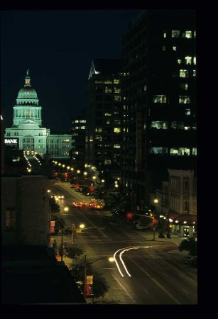 Hampton Inn Austin/Airport Area South: Austin Capitol at Night
