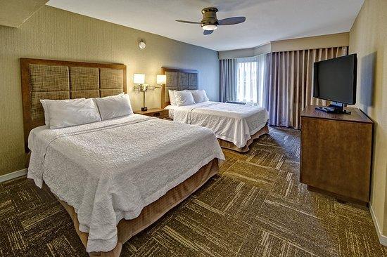 Fletcher, Carolina del Norte: Accessible 2 queen suite bedroom