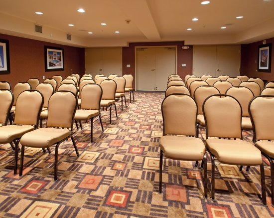 Our Belmont Meeting Room offers a range of configurations