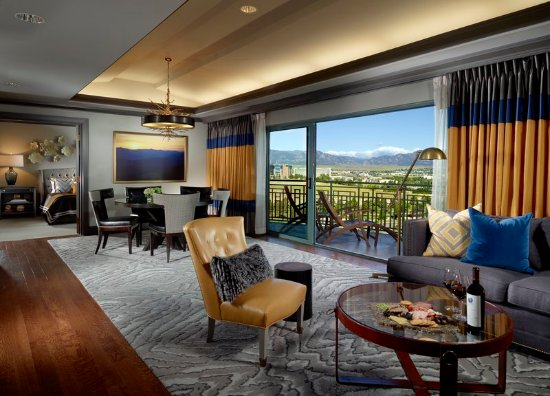 Broomfield, CO: Omni Suite