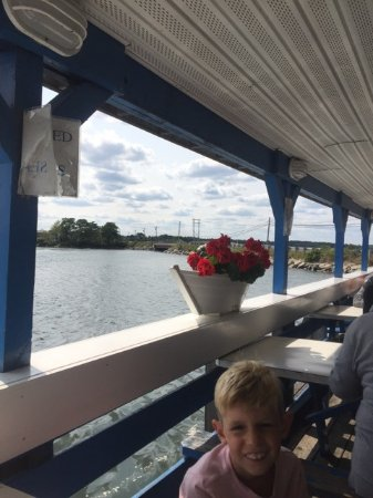 Seabrook, Nueva Hampshire: My grandson at Markey's