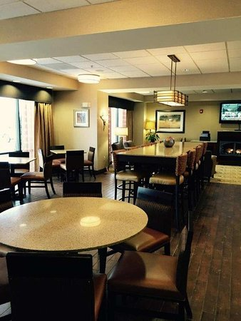 Hampton Inn Elkins: Dining Area