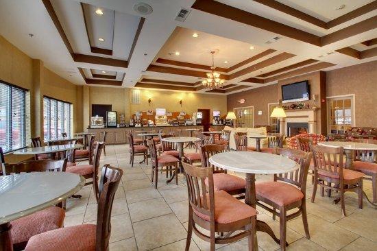 Laurel, MS: Breakfast Bar