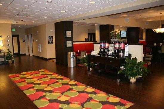 Jacksonville, AL: Lobby