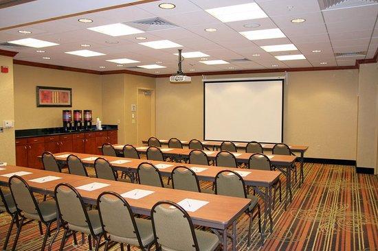 Hampton Inn and Suites Arcata, CA: Meeting Room