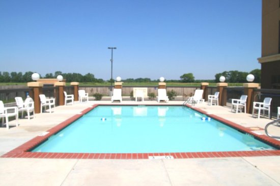 Yazoo City, MS: Outdoor Swimming Pool