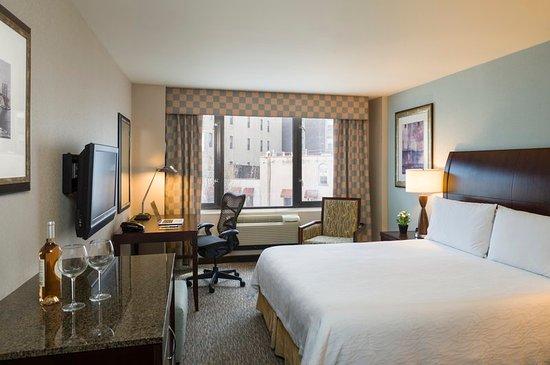Hilton garden inn new york tribeca 135 1 7 8 for Garden rooms york
