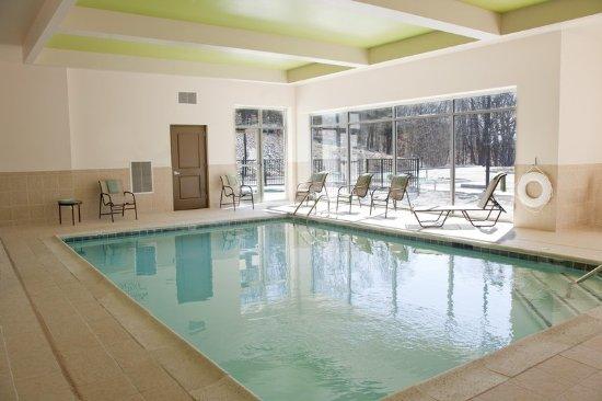 Preston, CT: Pool