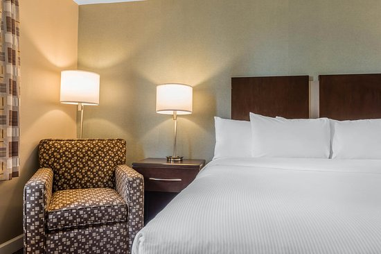 Belle Vernon, PA: Guest room