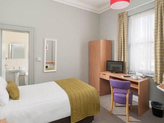 The Invercauld Arms Hotel: Single Room