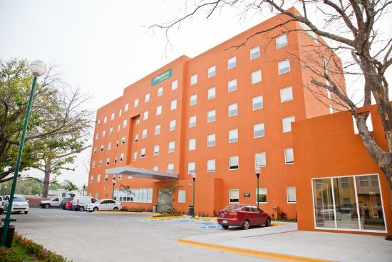 City Express Junior Cancun: fachada
